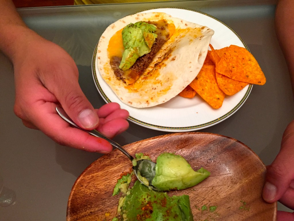 taco bell meximelts were the best thing on the menu. Now you can make them at home. Food hack